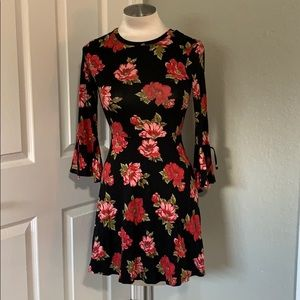 ✨SOLD✨Flirty Floral A Line Dress